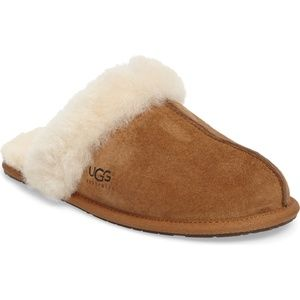 Ugg Scuffette Tan sherling lined slippers size 7